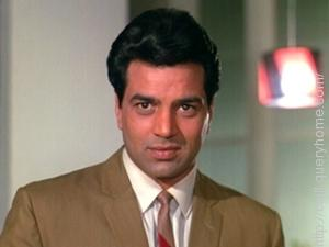Famous bollywood actor Dharmendra never received a filmfare award in the 'Best Actor' category.