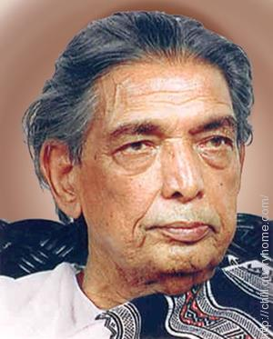 Kaifi Azmi penned the song 'Ab tumhare hawale watan sathiyon' from movie 'Haqeeqat'.