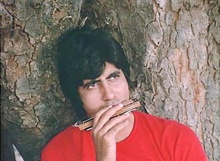 instrument played by Amitabh Bachchan