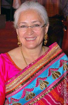 Nafisa Ali played the role as Amisha Patel's mother in movie 'Yeh Zindagi Ka Safar'.