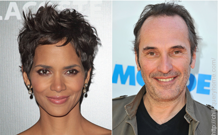 Halle Berry played the lead female role in hollywood movie 'Catwoman'.