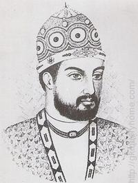 The famous Persian poet Amir Khusrow lived in the court of Alauddin Khilji.