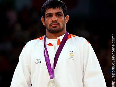 Sushil Kumar winning medal