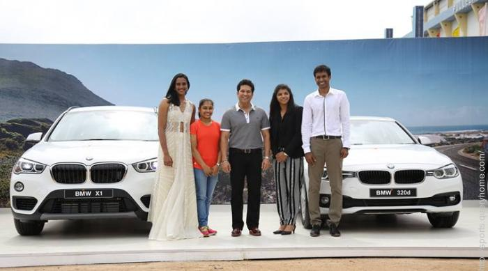 Sachin Tendulkar presents BMWs to India's Olympic medallists