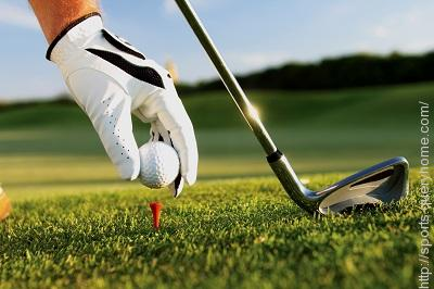 What is the maximum number of clubs with which a player may start a Golf round?