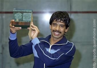 Jahangir Khan went 555 games unbeaten before losing to Ross Norman in 1986