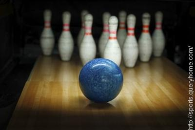 How many holes are there in a ten pin bowling ball?
