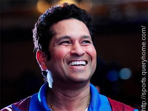 Who promised to give Sachin Tendulkar his first pair of Adidas half-spike batting boots, if he scored a hundred?